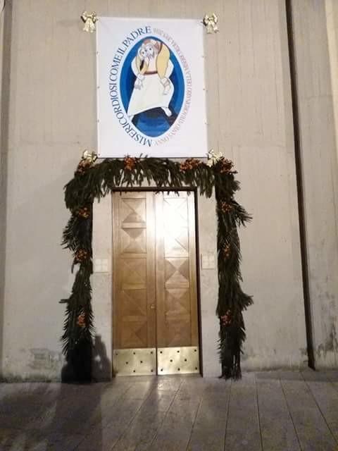 Apertura della porta santa a cassino foto diocesi sora - Immagini porta santa ...
