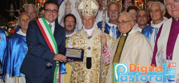 Assessore Battaglini, Cardinal Bagnasco, rettore Santuario e paroco don Ricci