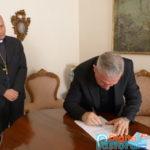 31 ott 2014 Firma del decreto (4)